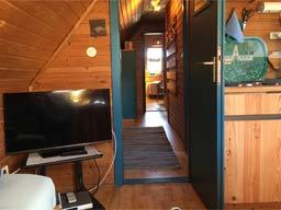 Ferienwohnung 3 - Blick durch den Flur zum Schlafzimmer